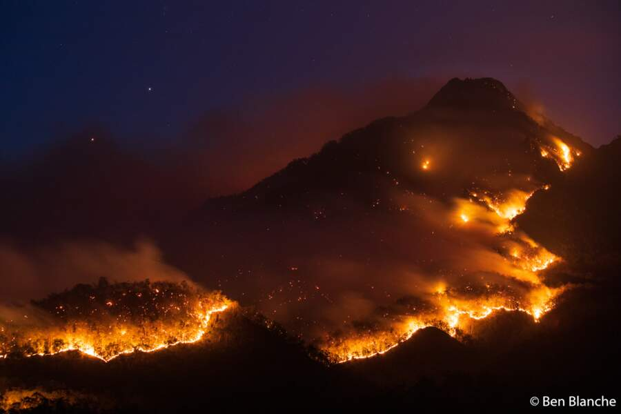 Montagne en feu