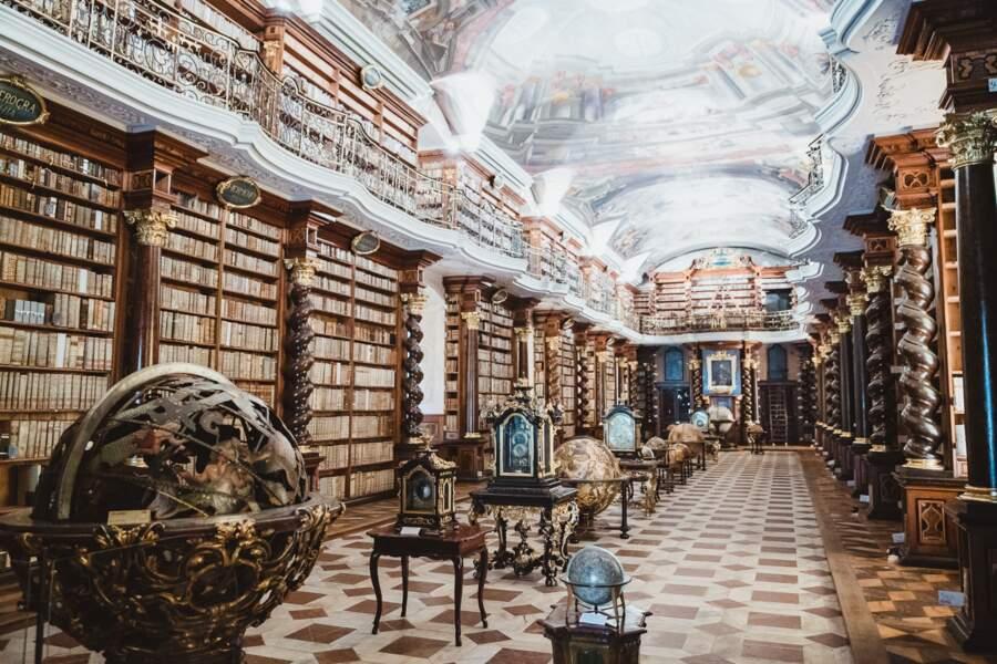 Le Klementinum, la plus belle bibliothèque du monde