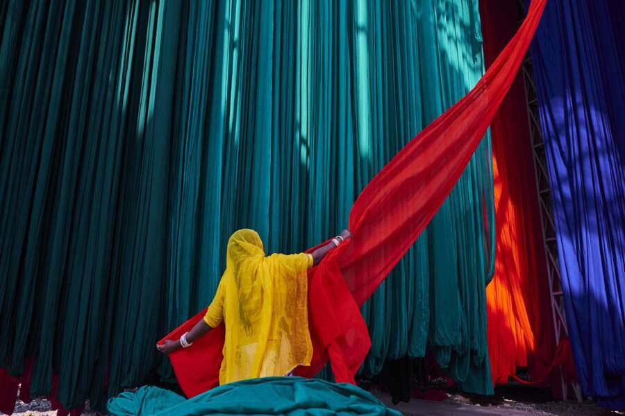 Le sari, vêtement emblématique des femmes indiennes