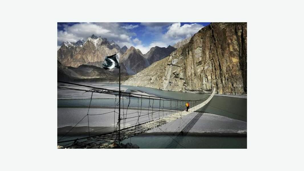 Pont suspendu de Hussaini