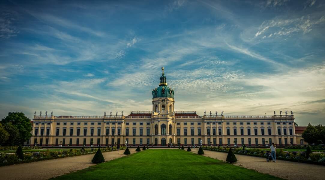 Berlin fait renaître son palais impérial, hanté par la guerre et la colonisation