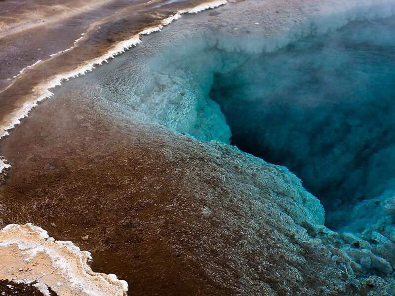 Le geyser Geysir, dans l'Ouest de l'Islande