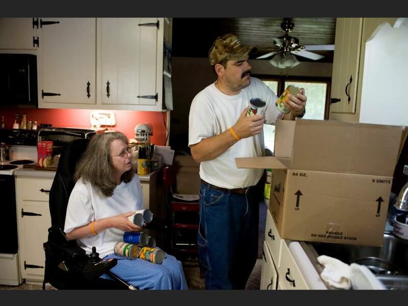 A Adamsville, Delores et Larry Smith sont contraints de recourir à l'aide alimentaire (Tennessee, Etats-Unis).