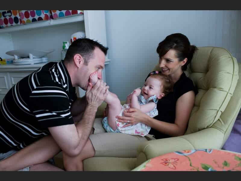 Le traitement de la petite Nora, atteinte d'une maladie neuromusculaire, coûte 7 700 euros par mois (Knoxville, Tennessee, Etats-Unis).
