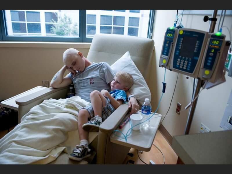 Mattew et son fils Nathaniel à l'hôpital Vanderbilt de Nashville (Tennessee, Etats-Unis).