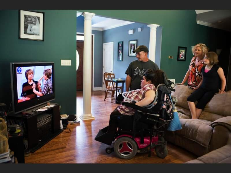 A Knoxville, dans le Tennessee, les revenus des Manes sont insuffisants pour couvrir les frais de santé d'Ashley, tétraplégique (Etats-Unis).