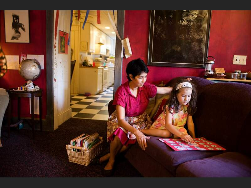Rowena et sa fille Ella, à Nashville, Tennessee (Etats-Unis).