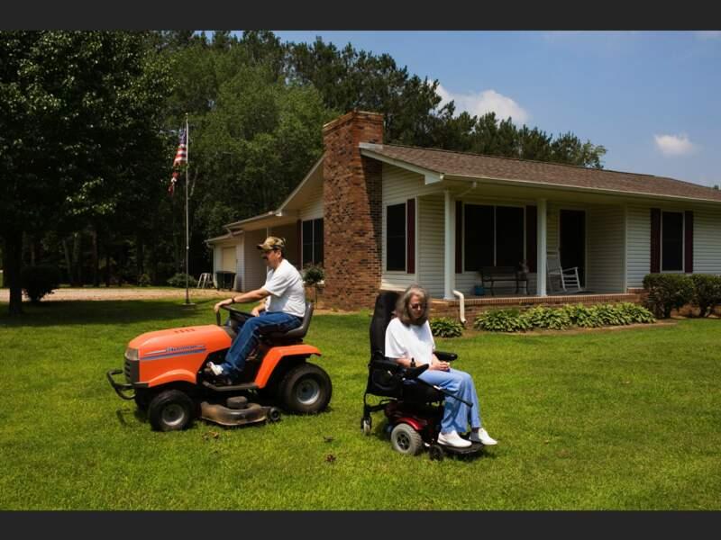 A Adamsville, Delores et Larry Smith vivent sans assurance santé depuis un an (Tennessee, Etats-Unis).