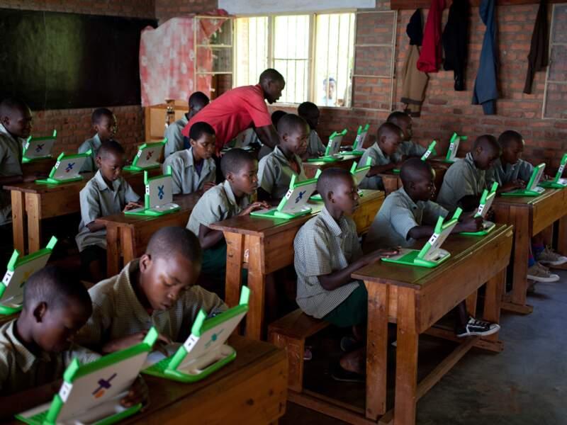 200 000 PC ont été offerts aux élèves de primaire à travers le pays