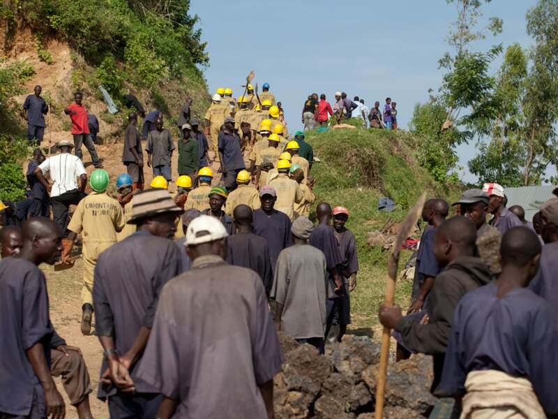 """Une fois par mois, tous les Rwandais de 18 à 65 ans participent aux """"umuganda"""", les travaux communautaires"""
