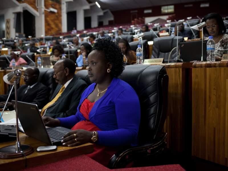 Au Rwanda, 64 % des sièges du Parlement sont occupés par des femmes