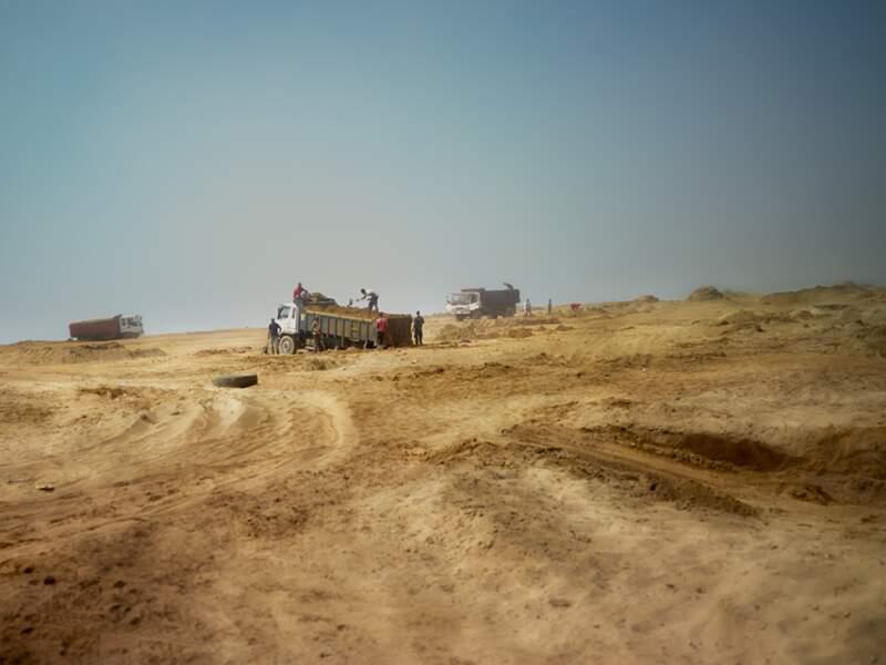 À Larache, camions et pelleteuses font désormais partie du paysage