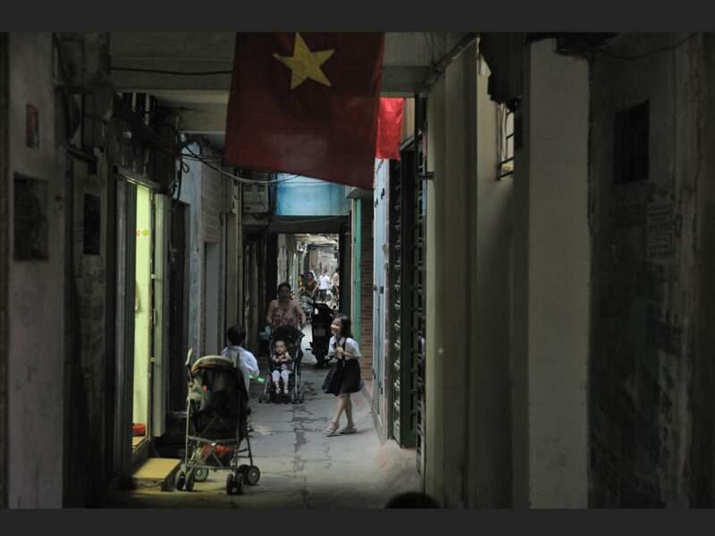 Un passage dans le quartier de Ba Đình, à Hanoi, au Vietnam.