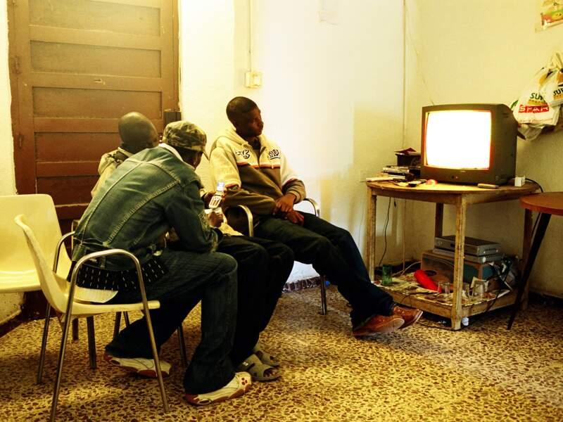 13 hommes de Guinée Bissau et du Sénégal cohabitent dans un cortijo de 50 m2.