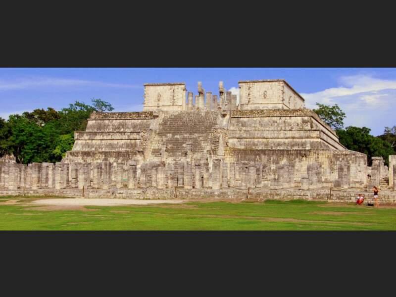Temple des guerriers du Jaguar sur le site de Chichén Itzá dans le Yucatán, au Mexique