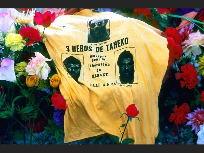 Hommage aux Kanaks tués en 1988 dans la grotte d'Ouvéa, en Nouvelle-Calédonie.