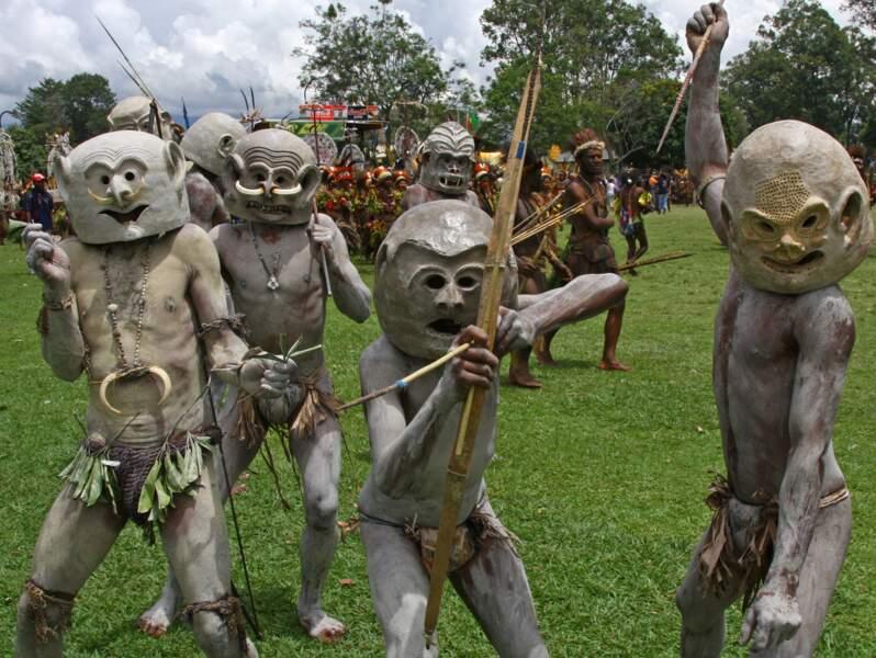 Mudmen à Goroka, Papouasie-Nouvelle-Guinée