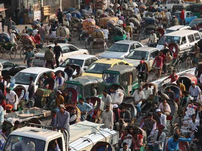 Les embouteillages dans les rues de Dacca, au Bangladesh.