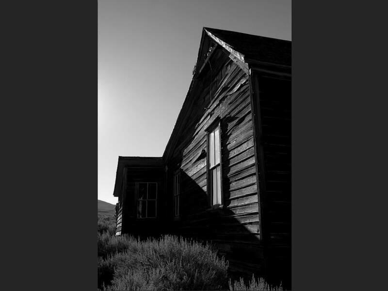 Une maison dans le village abandonné de Bodie, en Californie (Etats-Unis).
