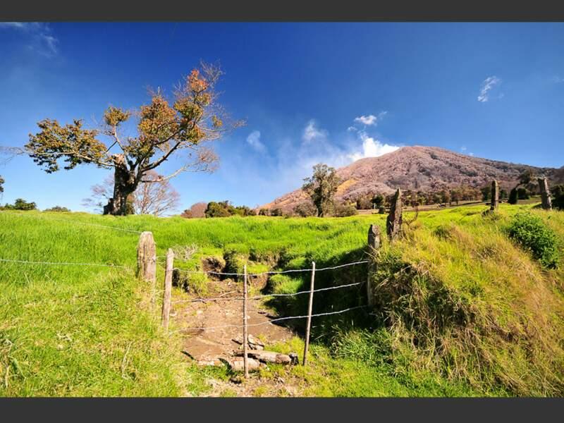 Au Costa Rica, le volcan Turrialba se réveille