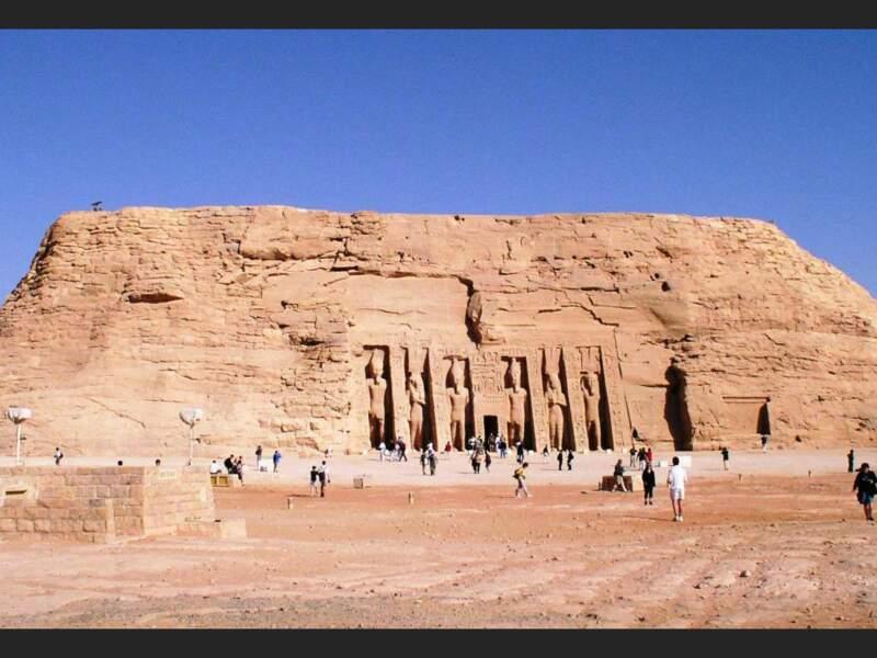 Vue du temple d'Hathor, à Abou Simbel, en Egypte.