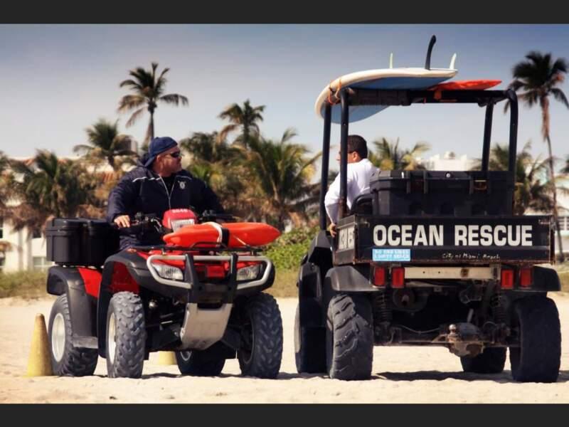 Membres de la patrouille Ocean Rescue à Miami Beach, en Floride, aux Etats-Unis.