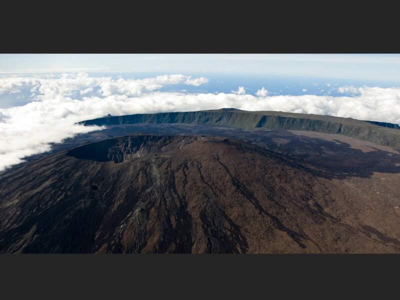 Le piton de la Fournaise sur l'île de La Réunion