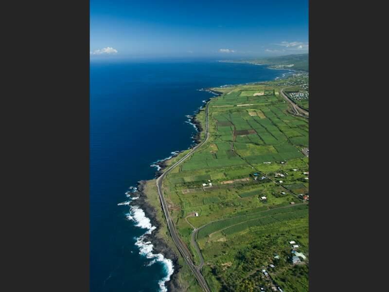 Route entre Etang-salé et Saint-Leu sur l'île de La Réunion
