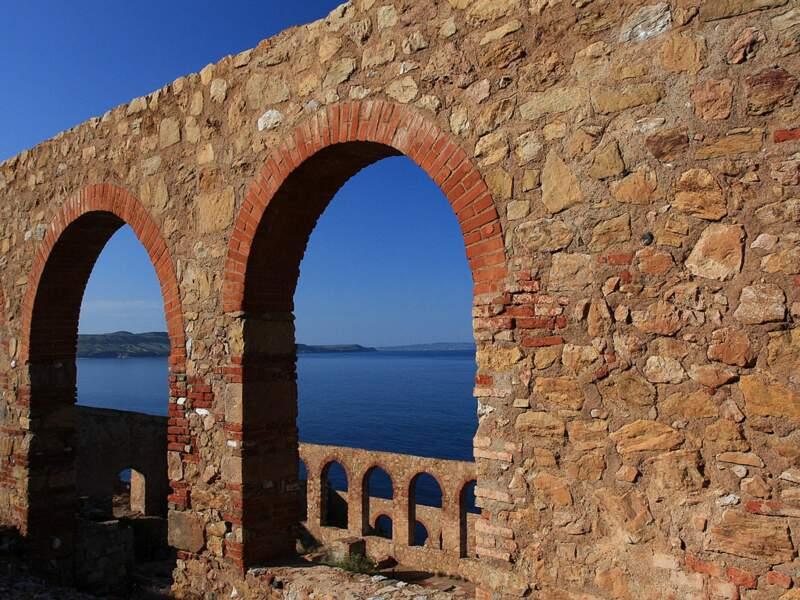 Les ruines de la laverie Lamarmora à Nebida, en Sardaigne, en Italie.