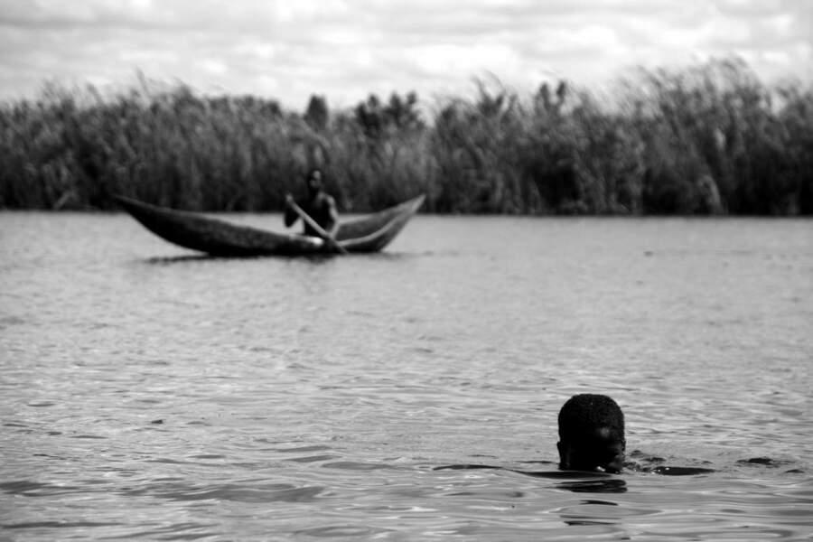 Le canal des Pangalanes, à Madagascar, est propice à la baignade ou à un tour en pirogue.
