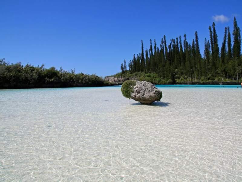 Une piscine naturelle dans la baie d'Oro, sur l'île des Pins en Nouvelle-Calédonie