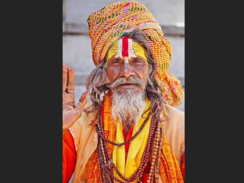 Portrait d'un sâdhu à Udaipur, dans le Rajasthan, en Inde