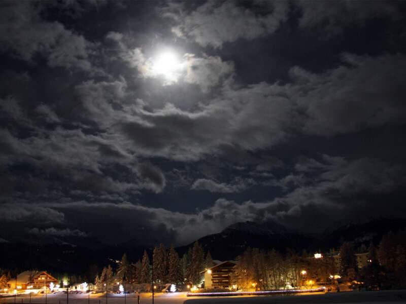 Nuit sur Crans-sur-Sierre