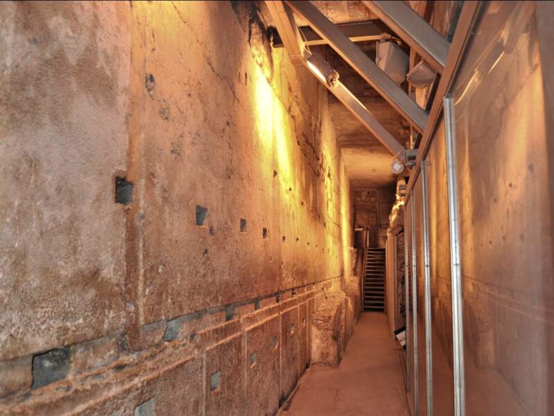 Tunnel creusé sous le mur occidental de l'esplanade de Jérusalem, en Israël.
