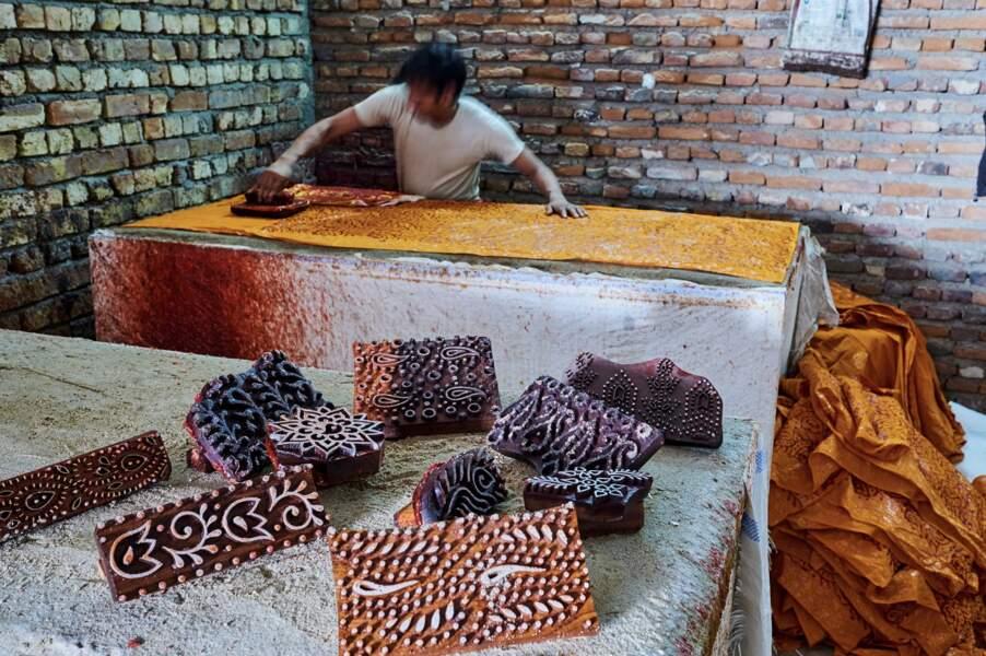 Des tisserands traditionnels