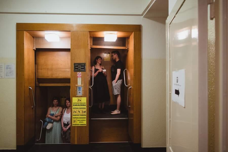 Ascenseur sans arrêt