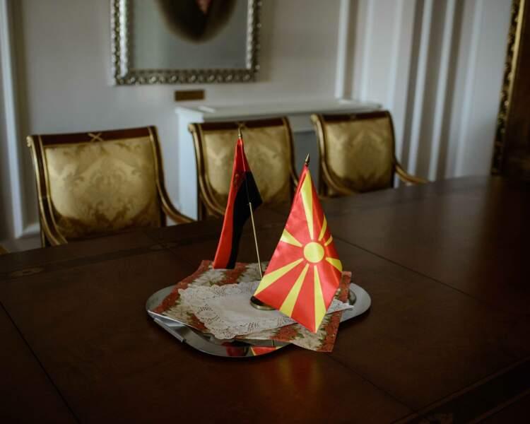 Le drapeau rouge et or fut contesté par les Grecs