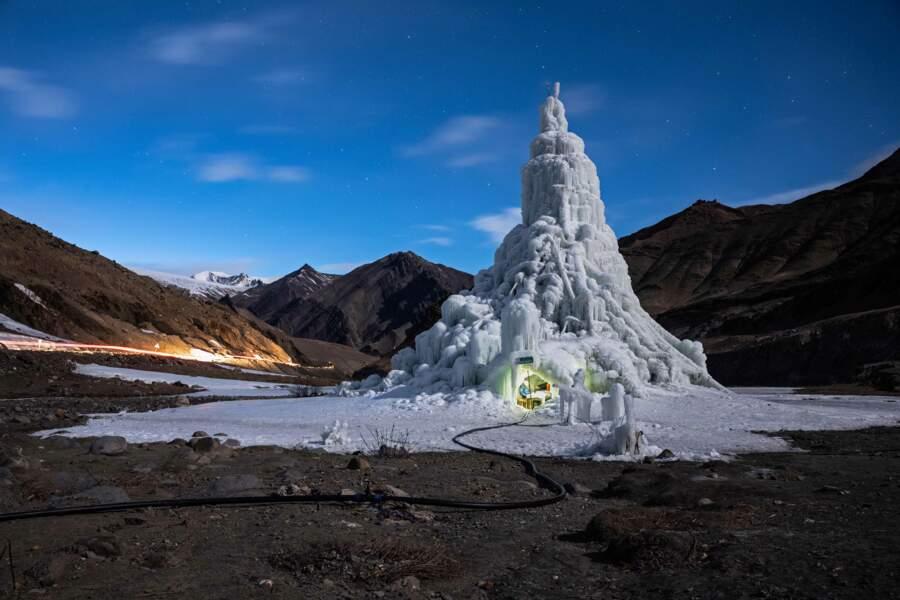 Pour lutter contre le changement climatique, fabriquez vos propres glaciers dans l'Himalaya