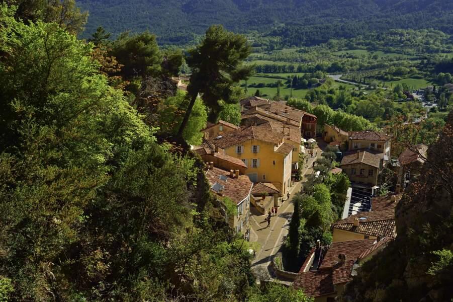 12e - Moustiers-Sainte-Marie en Provence