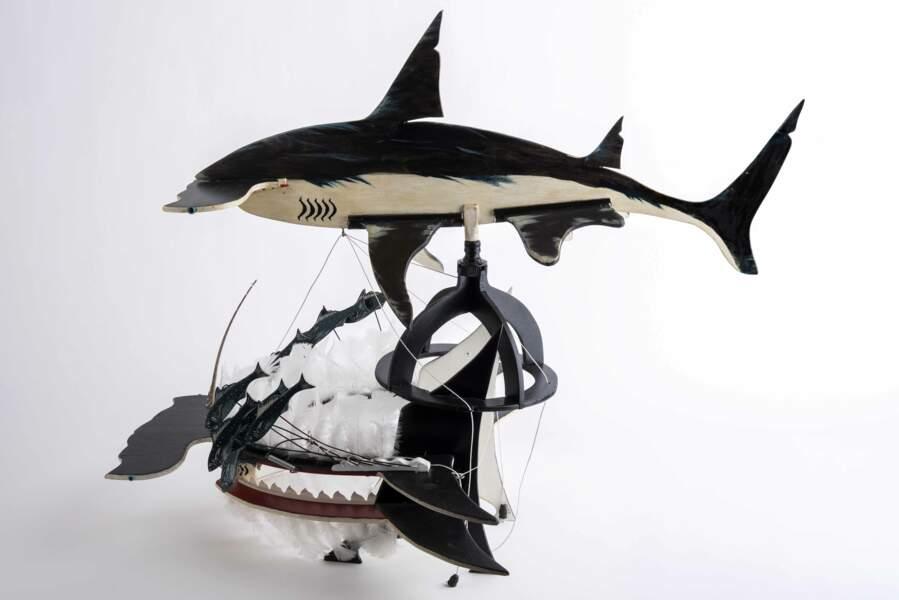 Réinterprétation d'une coiffe de danse requin-marteau