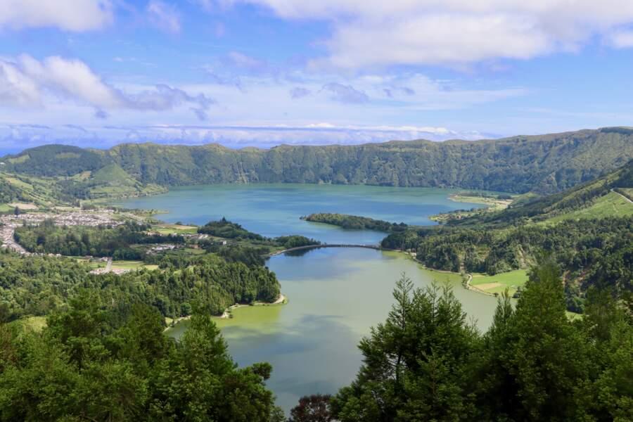 Les lacs autour du volcan de Sete Cidades, sur São Miguel.