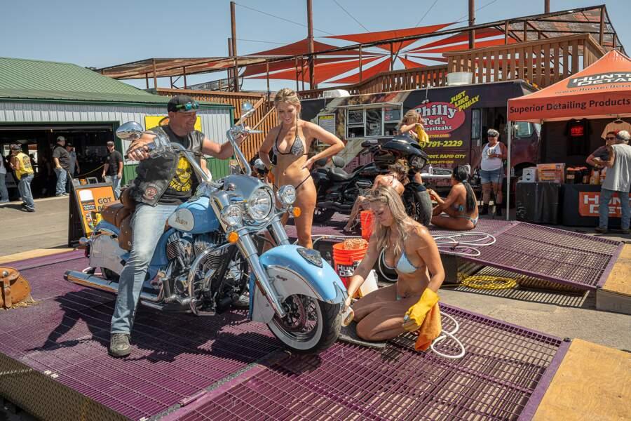 Sturgis : motards éméchés et grondement des V-Twins