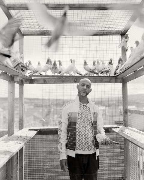 L'homme aux oiseaux de Bank Top