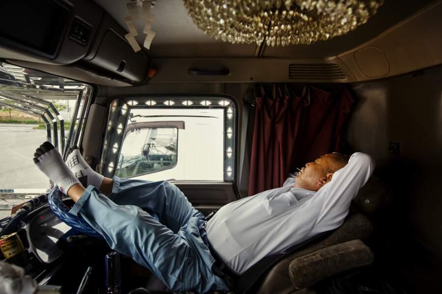 Camion rime aussi avec sieston