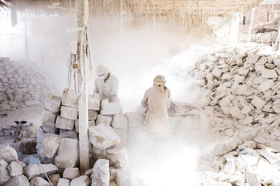 Au travail dans un nuage de sel