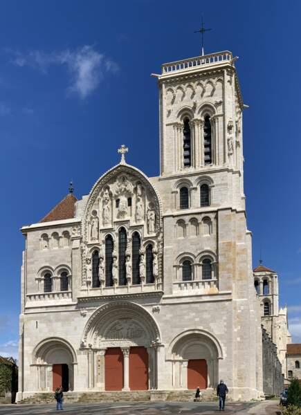 La basilique Sainte-Marie-Madeleine à Vézelay (Bourgogne-Franche-Comté)