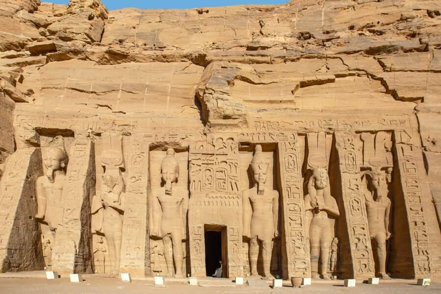 Tel Ramsès II, Cléopâtre érigea un temple pour son propre culte