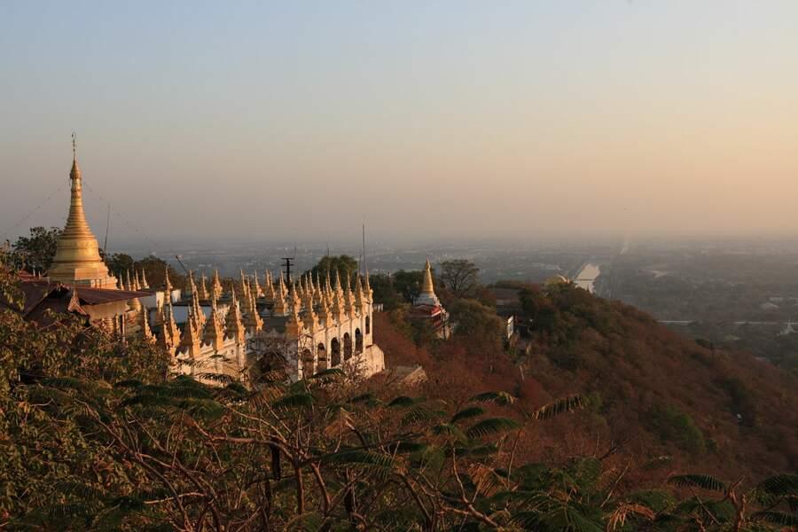 Le palais de Mandalay (Myanmar)