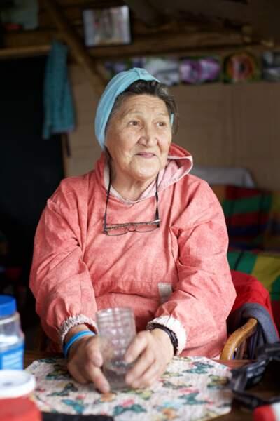 Mary Demientieff, 89 ans, Athapascan, est une figure de Holy Cross