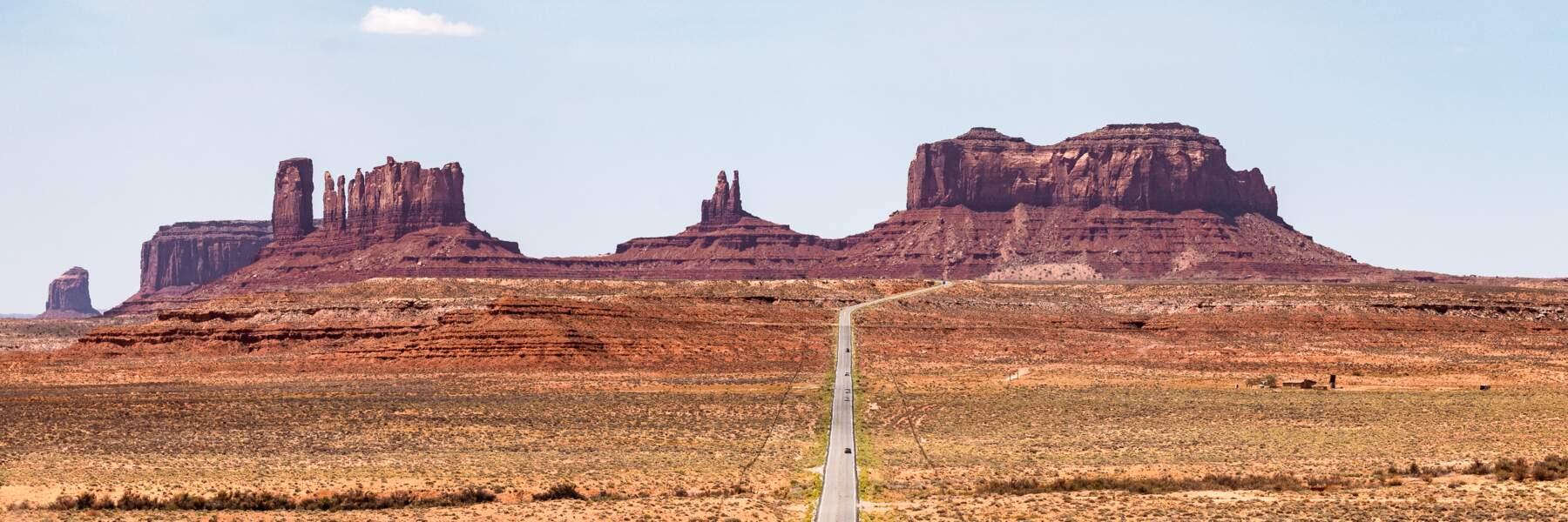 Sur la route 163, surgit un paysage mythique…